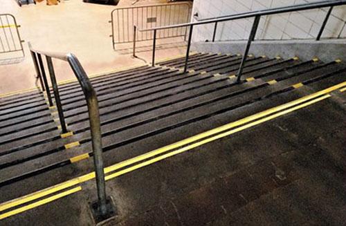 Yankee-Stadium-steps